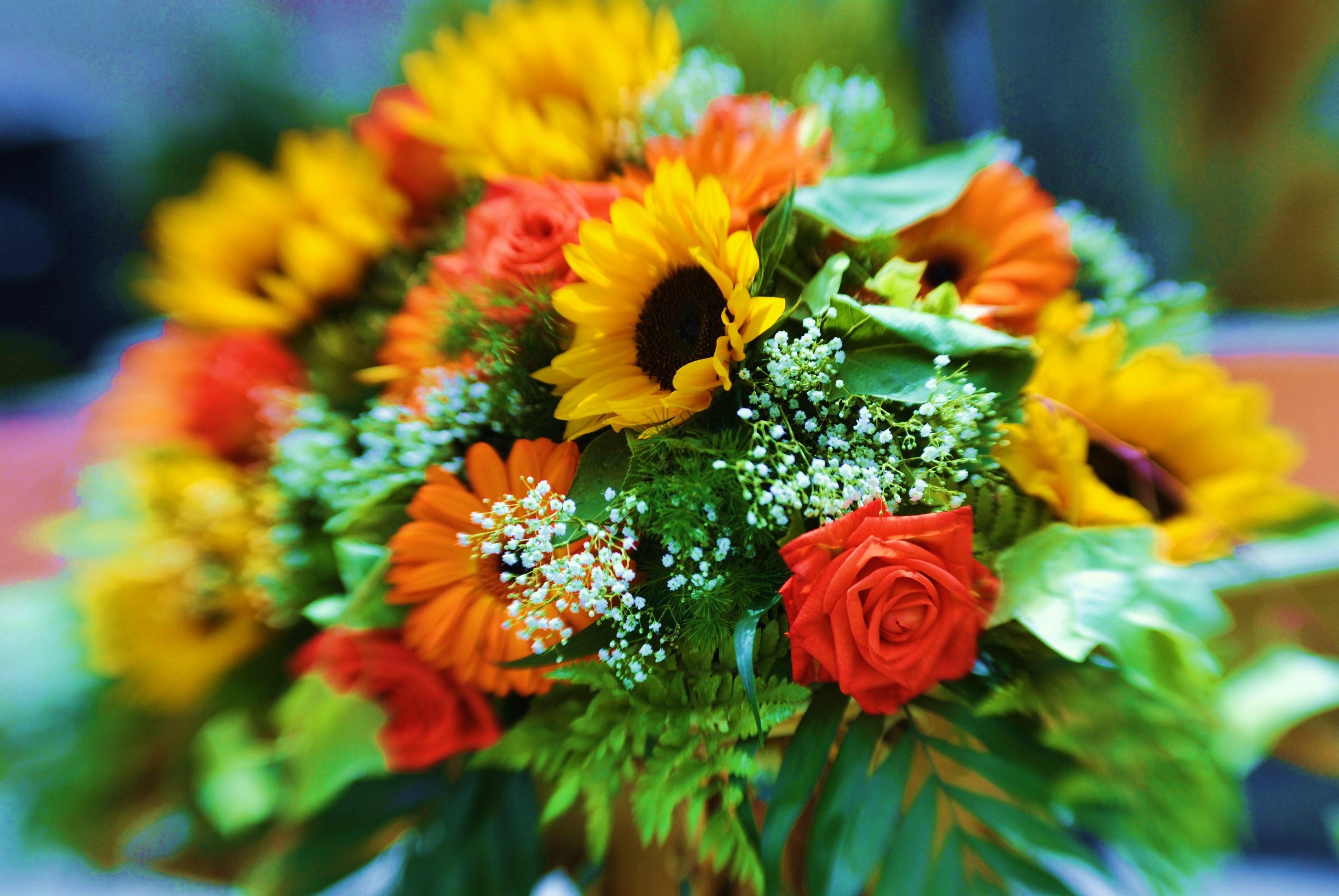 Fiori Matrimonio Girasoli : Bouquet da sposa con i girasoli foto matrimonio pourfemme